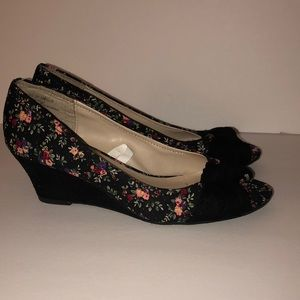 Floral peep toe wedges with a velvety bow